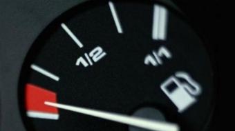 Mito ou verdade: rodar com o tanque vazio estraga o carro?