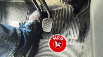 Mito ou verdade: pisar na embreagem na partida economiza bateria?